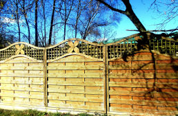 Holzzäune – Funktionen, Unterschiede und Pflege